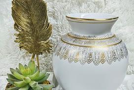 Vase with leaf